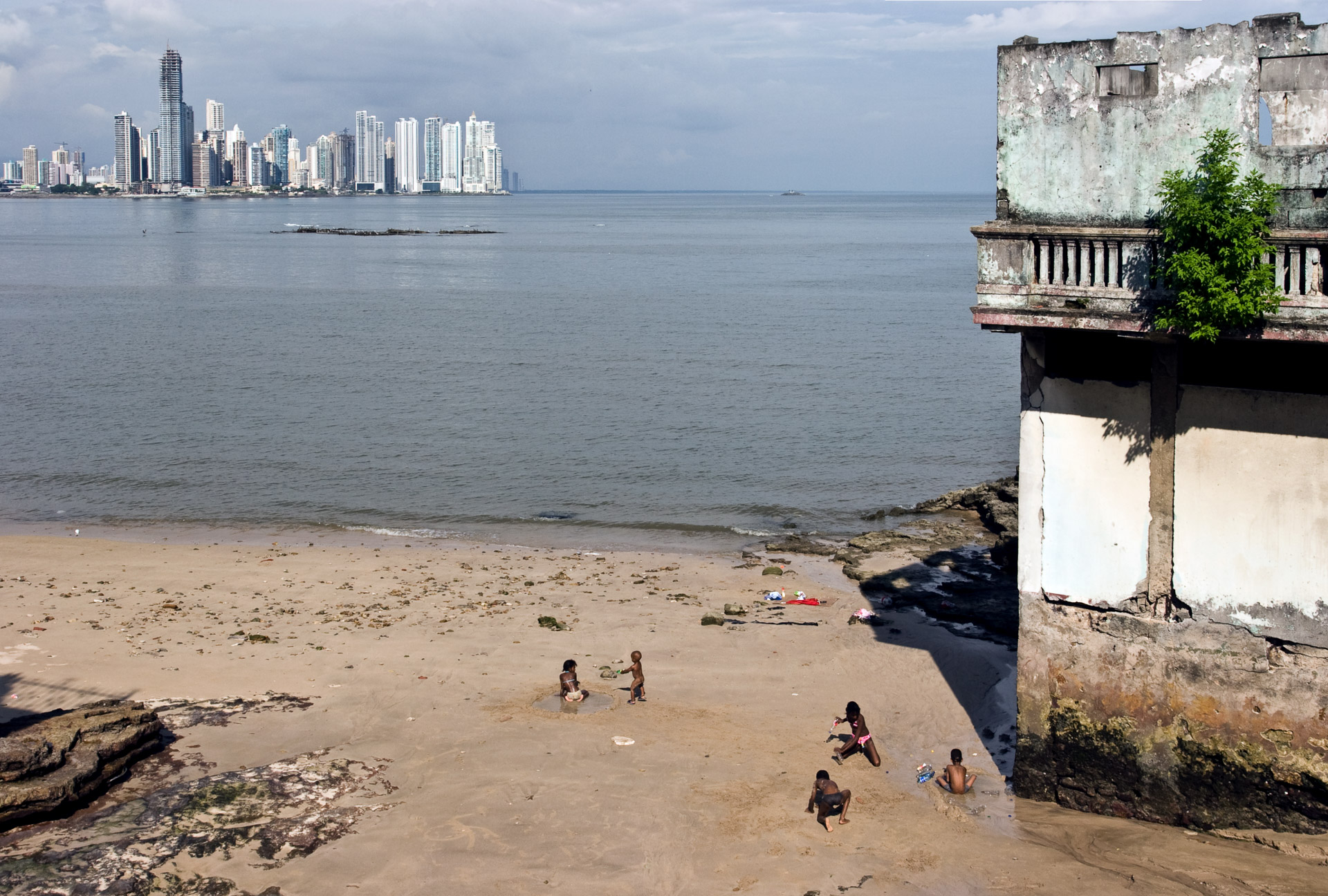 the two faces on panama country size 1920x1280