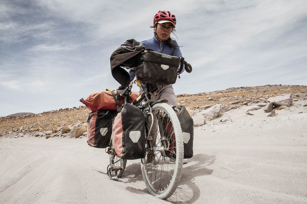 Bicycle traveller across the Condillera de los Andes