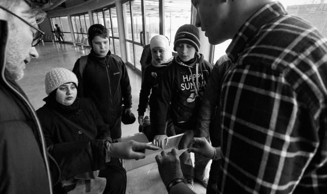 Syria_refugee-crisis_black-and-white-piraeus-port-greece