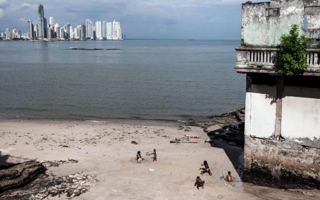 Ambiguity-Panama-City-Panama-2009
